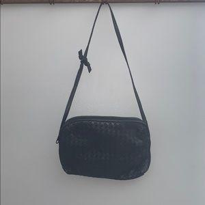 Vintage woven black purse